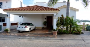 Luxury Waterfront Home $595,000 USD